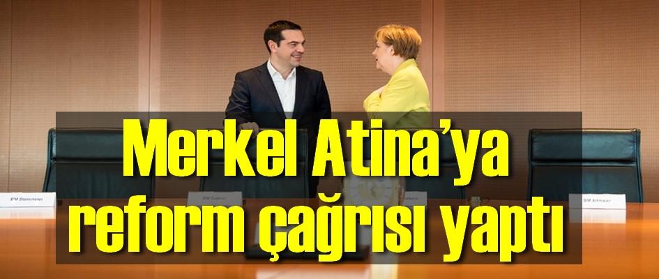 Merkel Atina'ya reform çağrısı yaptı