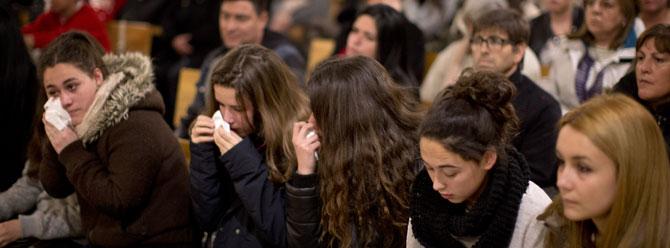 16 öğrenci ve 2 öğretmen için anma töreni