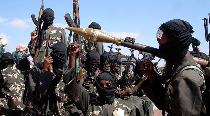 El Şebab, Mogadişu'da otel bastı