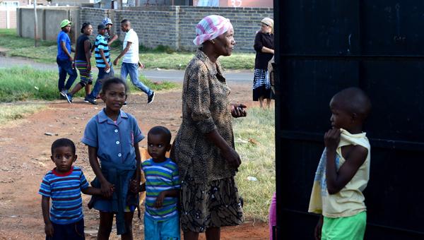 Güney Afrikada grev yapan bin kişi işten atıldı