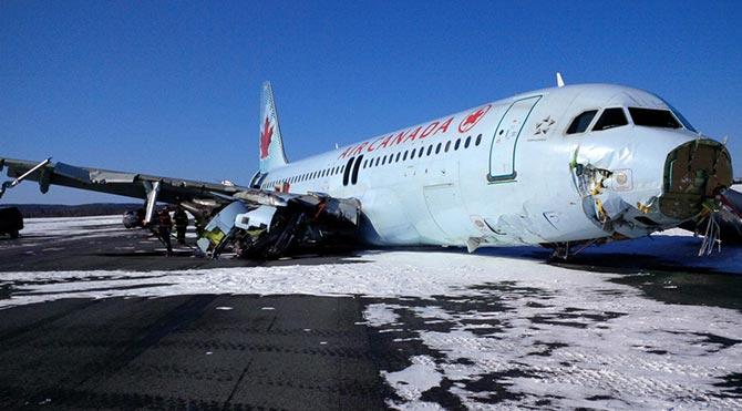 Air Canada uçağı pistten çıktı