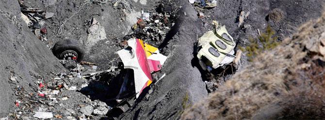 Germanwings pilotunun son sözleri: Allah aşkına aç kapıyı!