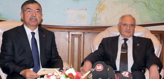 Yeni Milli Savunma Bakanı Vecdi Gönül oldu