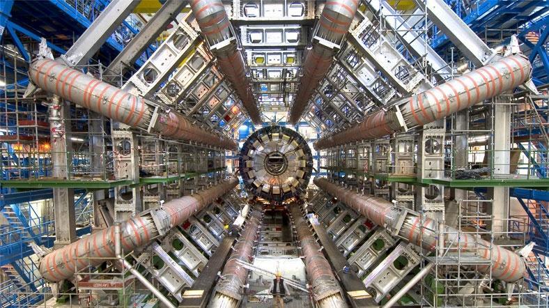 CERN'den 300 terabaytlık çarpıştırıcı verisi