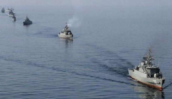 ABD'den İran gemilerine uyarı ateşi