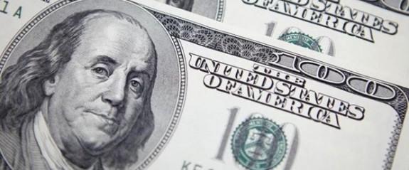 Dolar ve Euro'nun ateşi düşmüyor