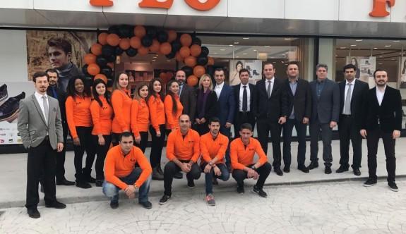 FLO Kıbrıs'ta ilk mağazasını Girne Park'ta açtı