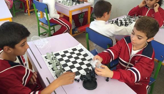 Satranç heyecanına devam