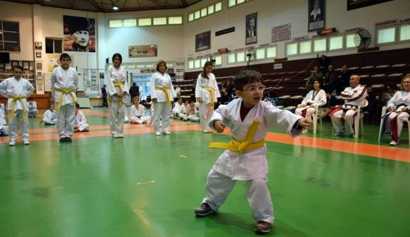 Taekwondoda telafi sınavları yapıldı