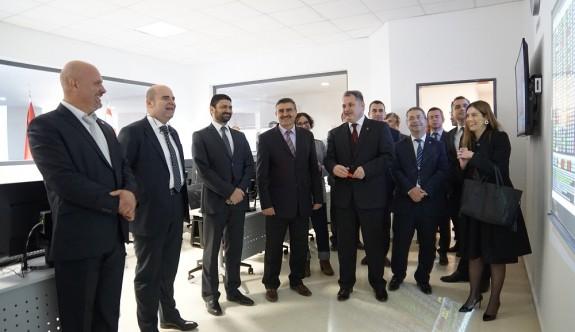 UKÜ'de KKTC'nin ilk Trademaster platformu ile Finans Laboratuvarı açıldı