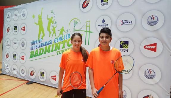 YDK, Badmintoncuları Dünya Şampiyonası'na katıldı