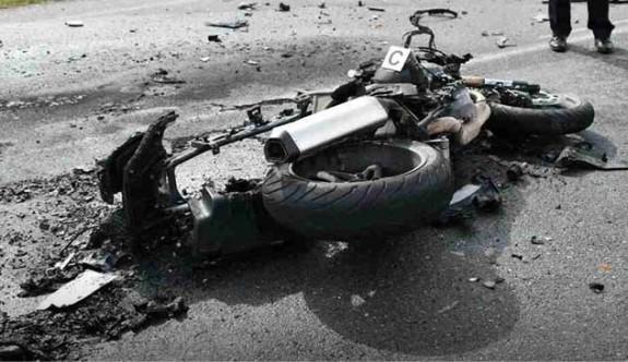 Motor kazasında biri ağır 3 yaralı