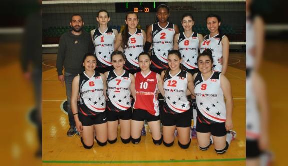 Üniversiteler kadınlar voleybolda şampiyon DAÜ