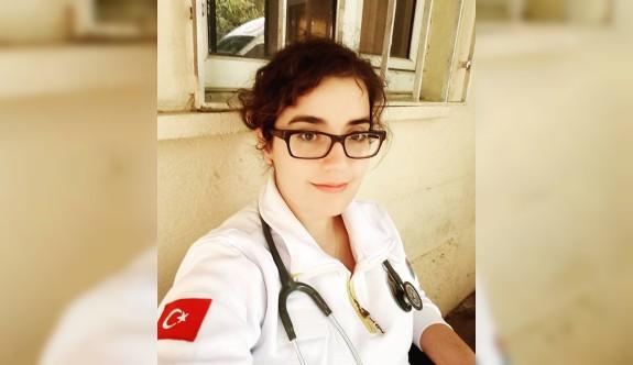 YDÜ Tıp Fakültesi mezunu Türkiye'de yılın doktoru