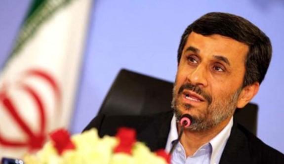 Ahmedinejad veto edildi, Ruhani onay aldı