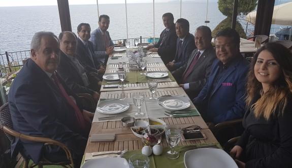 Ataoğlu, Antalya'da turizmcilerle biraraya geldi