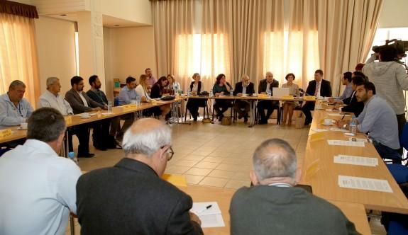 Bazı Kıbrıslı Türk ve Rum partiler bir araya geldi