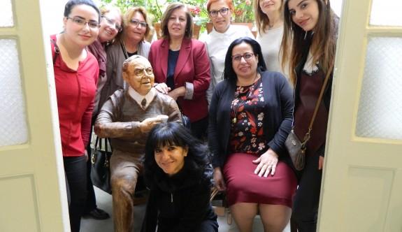 Büyükelçi Oya Tuncalı Dr. Küçük Müzesini ziyaret etti