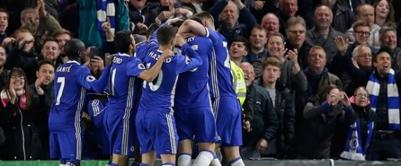 Chelsea şampiyonluğa yürüyor!