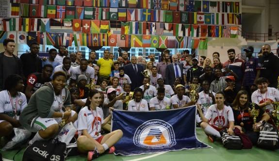 DAÜ Futsal'ın şampiyonları, Nijerya ve KKTC