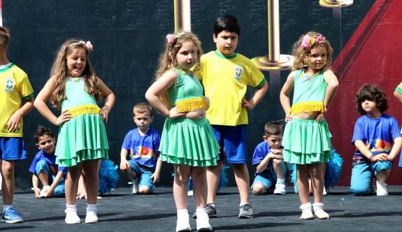 Necat British College'de 23 Nisan coşkusu yaşanıyor