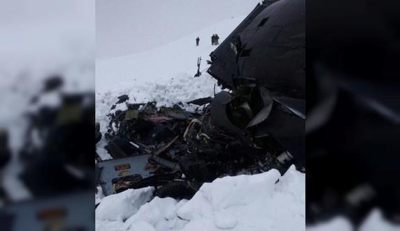 Tunceli'de polis helikopteri düştü: 12 şehit