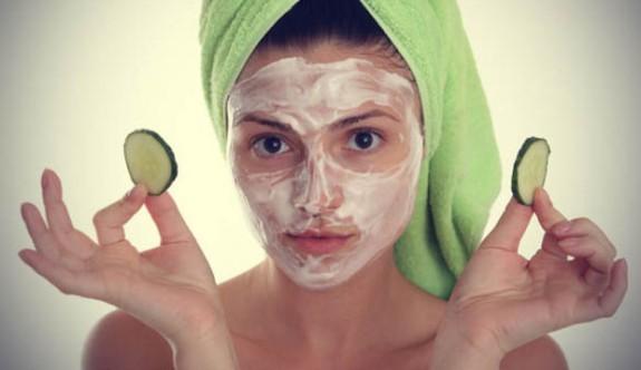 Yoğurt ile yapılan 6 ayrı yüz maskesi