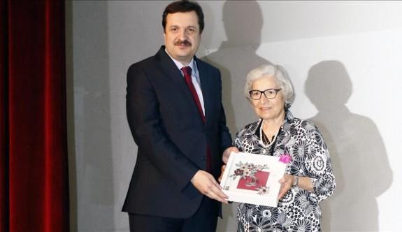 79 yaşında Lise diploması aldı