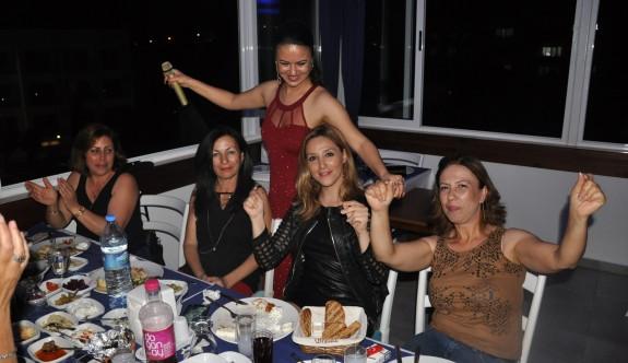 Alaçatı'da Ümran'la coşkulu gece