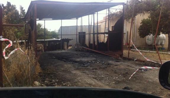 Bostancı'da araç kundaklandı
