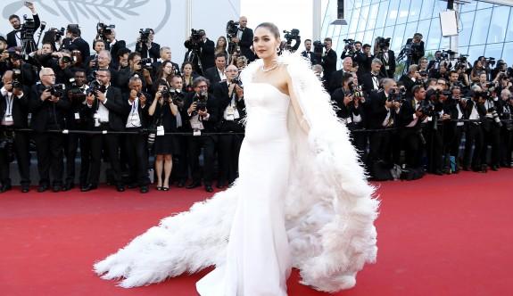 Cannes şıklığı