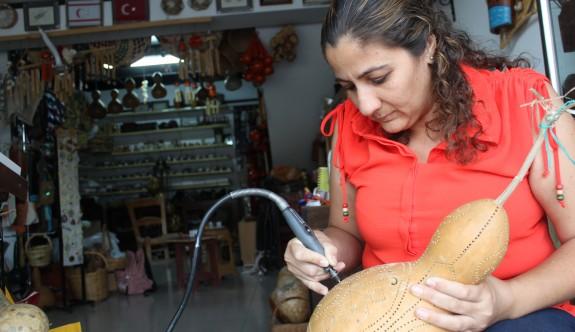Kendini Kıbrıs kültürünü yaşatmaya adadı