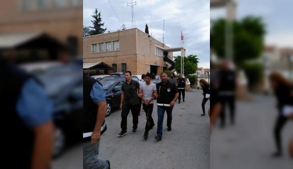 Silahlı saldırıda iki şüpheli tutuklandı
