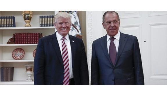 Trump Rusya ile istihbarat paylaştığını kabul etti