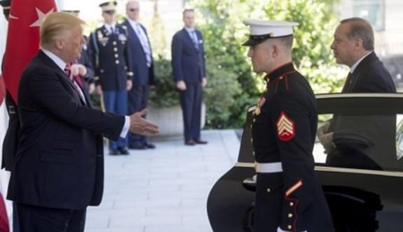 Trump, Erdoğan'ı kapıda karşıladı