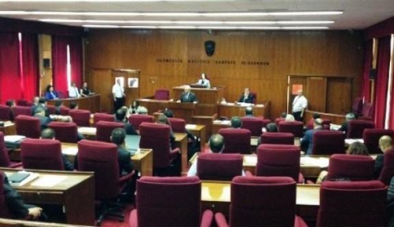 Yenierenköy Belediyesi Meclis'te gündem oldu