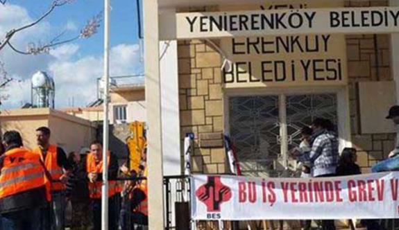 Yenierenköy Belediyesi'ne kilit