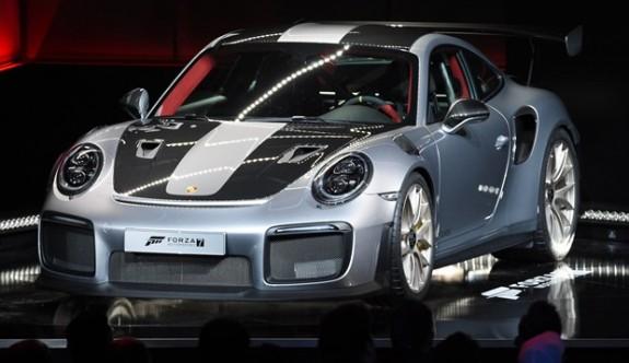 E3 Fuarı'na Porsche 911 GT2 RS damgası