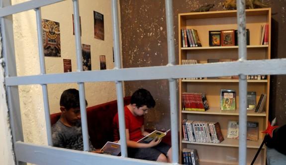 Eski karakol artık kütüphane