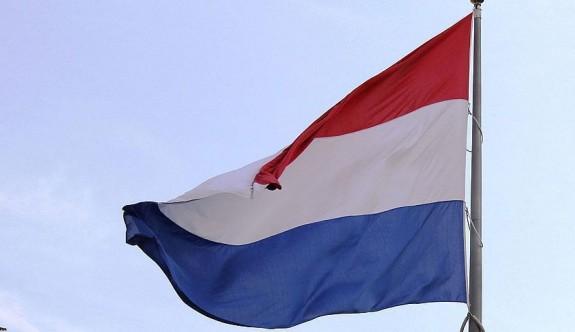 Hollanda'da koalisyon krizinde 100. gün