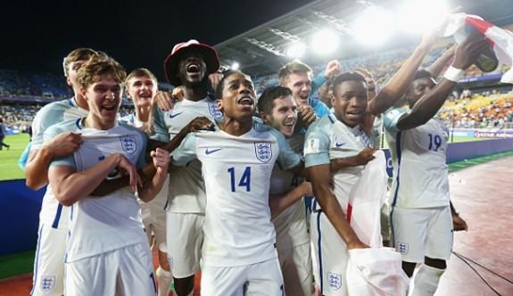 İngiltere şampiyon oldu