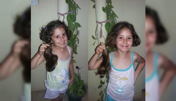 Minik ikizlerden peruk kampanyasına destek