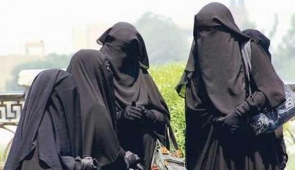 Norveç'te okullarda burka ve peçe yasaklanıyor