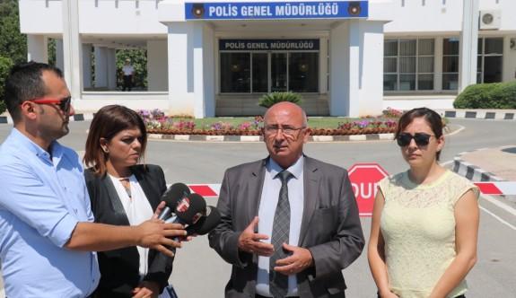 """""""Rüşvet iddiaları ayyuka çıktı, bunu sadece erken seçim temizler"""""""