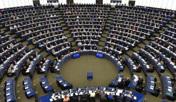 AP Türkiye ile müzakerelerin askıya alınması tasarısını kabul etti