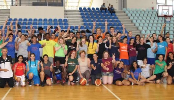 """""""Barış için Basketbol"""" etkinliği Mağusa'da yapıldı"""