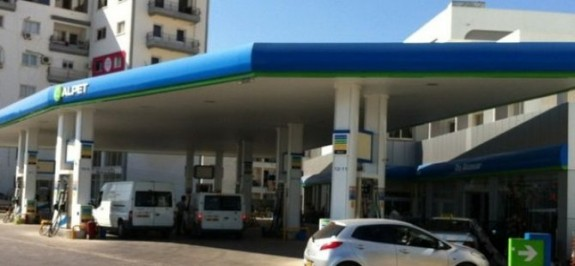 Benzin istasyonu soygununda iki tutuklu