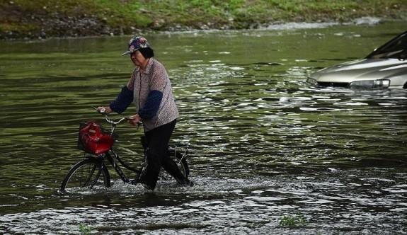 Çin'in başkenti şiddetli yağışa teslim