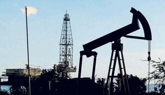 İran, petrol araştırmalarını Rus şirketlere devrediyor