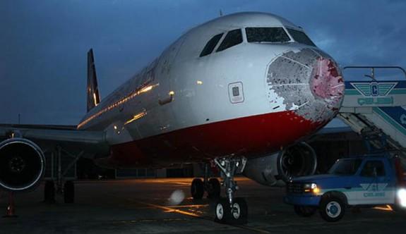 İstanbul - Ercan uçağı büyük tehlike yaşadı